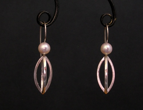 Pearly Pod earrings